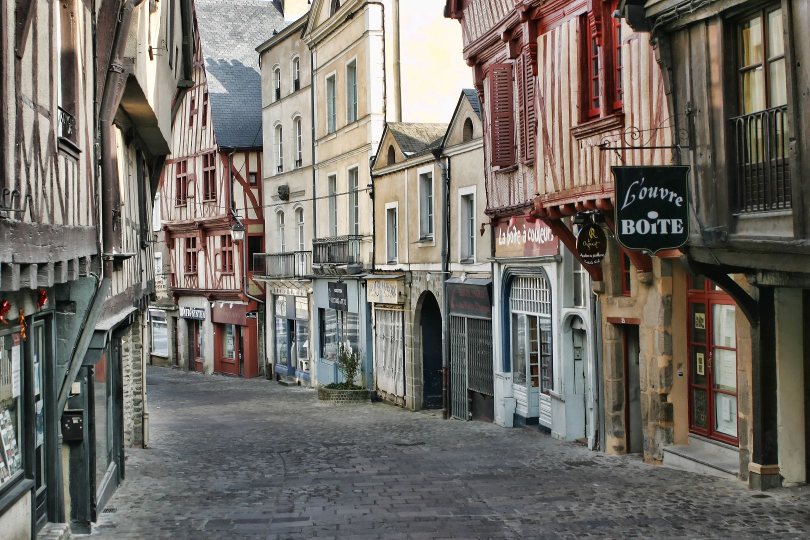 La Grande Rue Laval-CreditphotoD.Vernier-MayenneTourisme