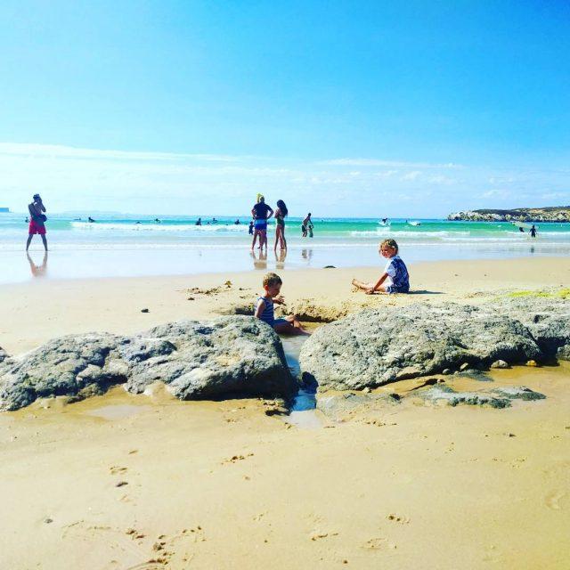 Het was in Portugal even zoeken naar een strand dathellip