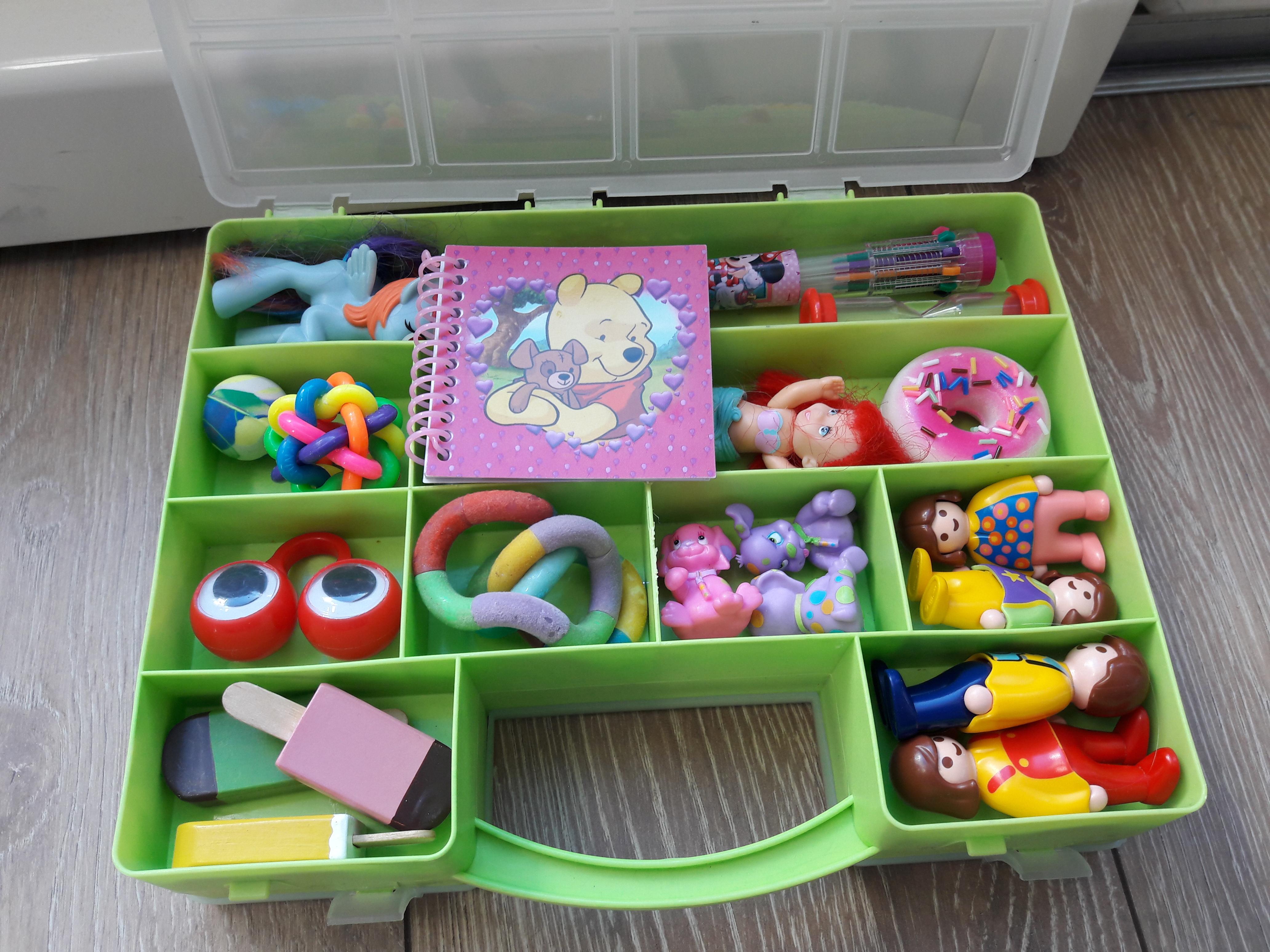 reis met kinderen speelgoed